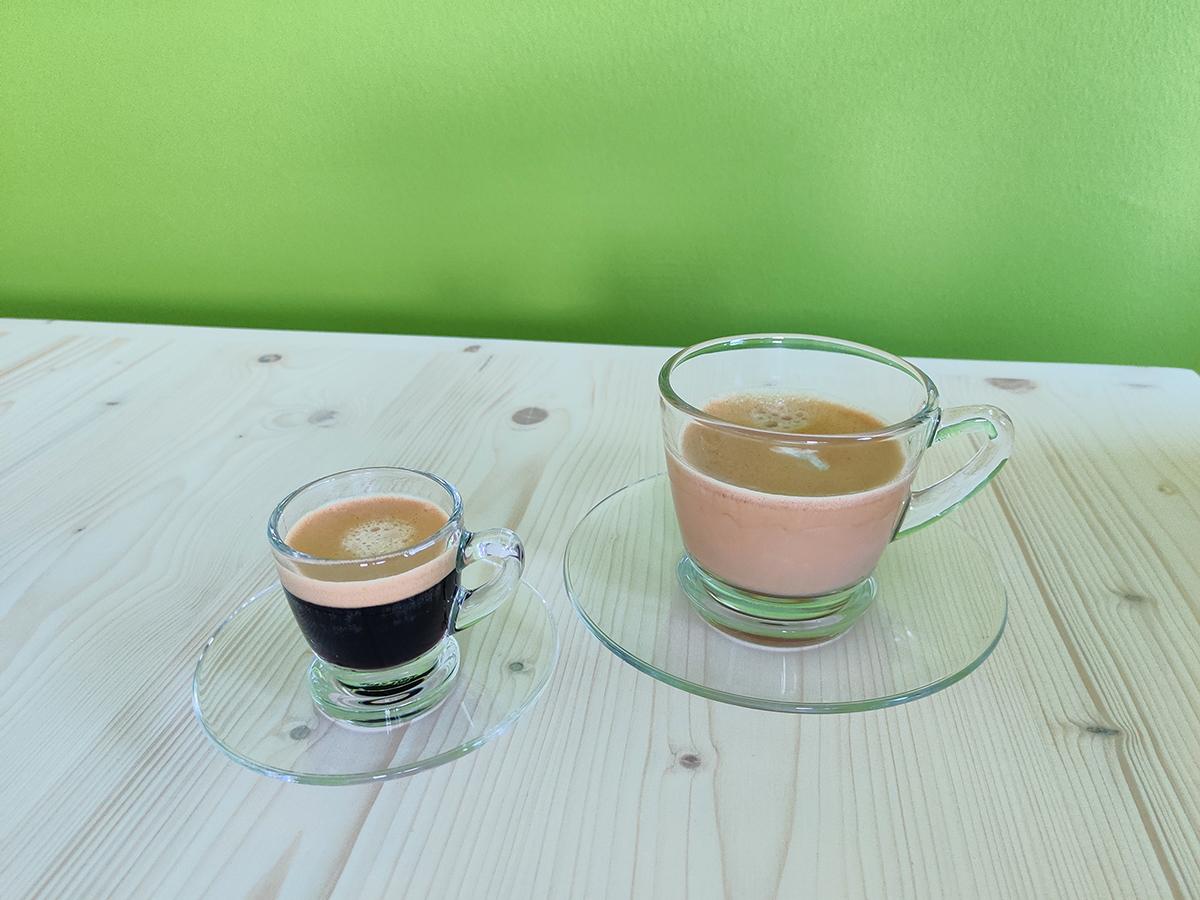 Kaffeetassen im Büro von punktgenau